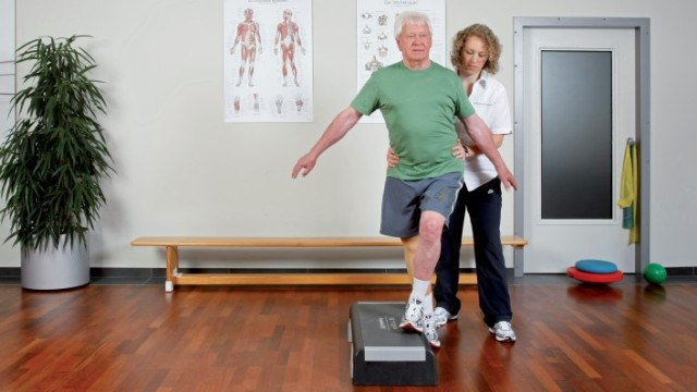 lower_limb_treatment_cycle_rehabilitation_16_9_teaser_onecolumn-7